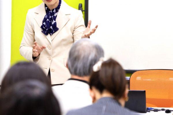 セミナーがうまい先生はここが違う!セミナー営業で受任に結び付けるための方法 イメージ